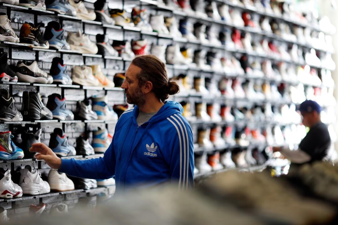 Sneaker shoppers