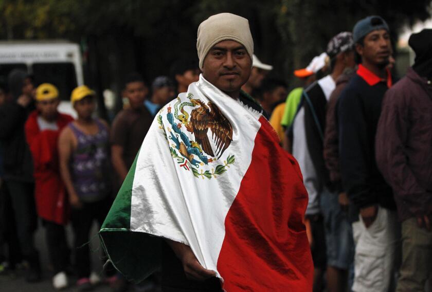 Caravana migrante se agrupa en México