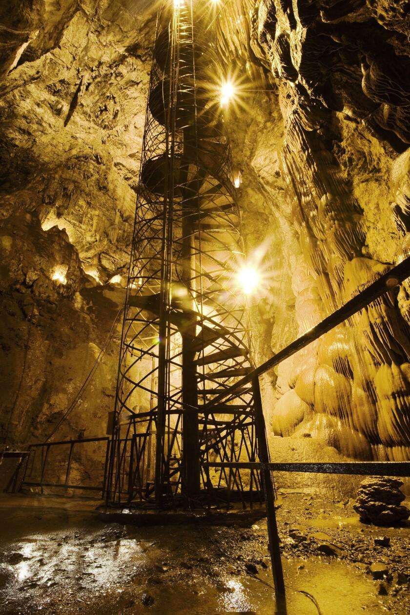 la-tr-travel-california-calaveras-county-caves-04.JPG