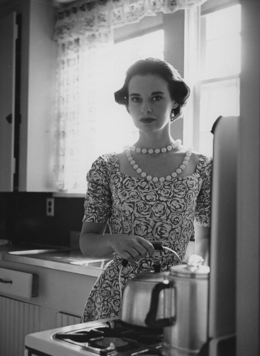 Gloria Vanderbilt In The Kitchen