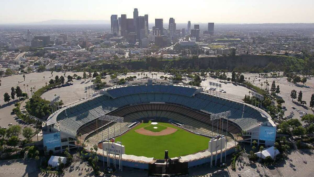 Coronavirus: MLB pushes back start of the season to mid-May - Los Angeles  Times
