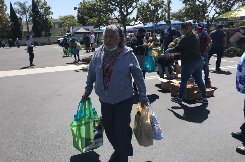 Campesinos de California se ven beneficiados con iniciativa que le lleva comida a los que nos alimentan.