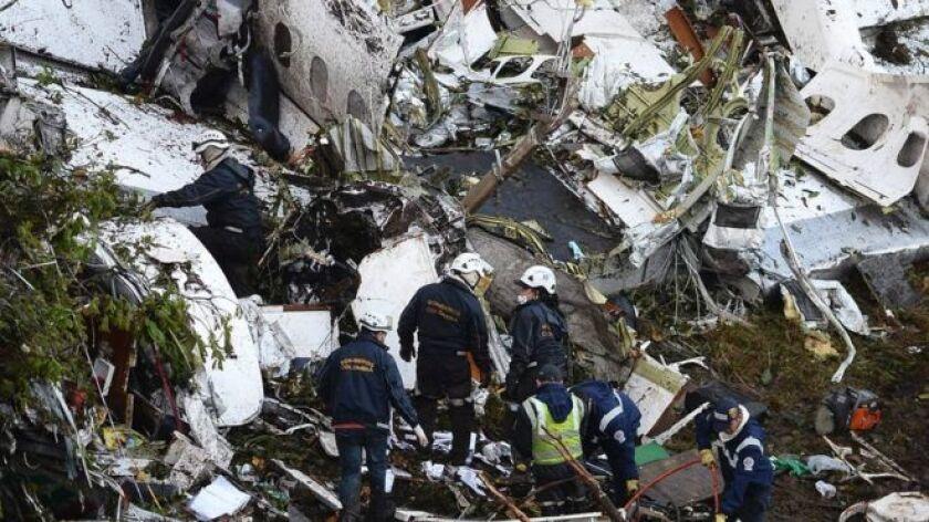 150 personas formaron parte del grupo de rescate en las cercanías de Medellín.