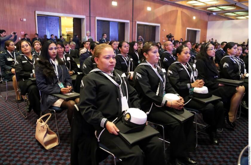 La Secretaría de la Defensa Nacional (Sedena) resaltó la capacidad, entereza y profesionalismo de las mujeres en las Fuerzas Armadas.
