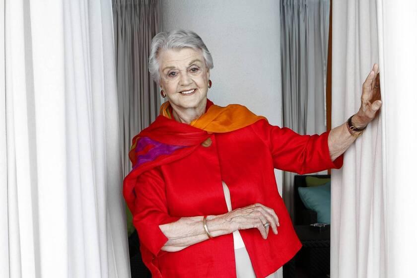 Angela Lansbury will receive an honorary Oscar.