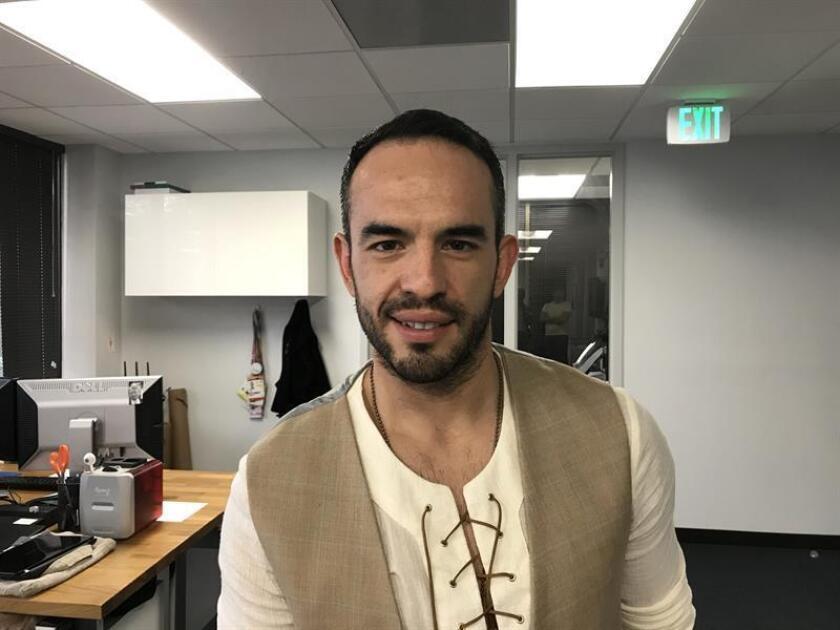 El actor y director mexicano Guillermo Iván posa para Efe el pasado viernes 8 de marzo durante una entrevista en Miami, Florida. EFE