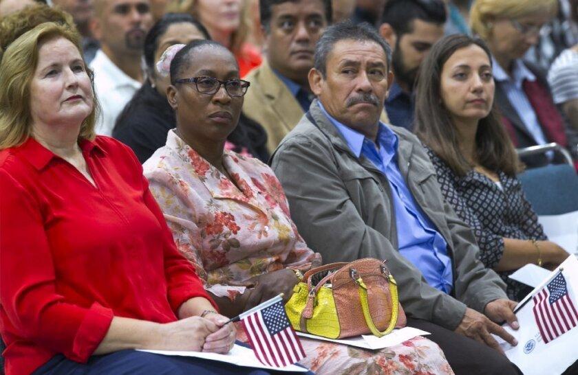 ¿Buscas la ciudadanía? La espera se redobla con retraso de más de 700 mil solicitudes