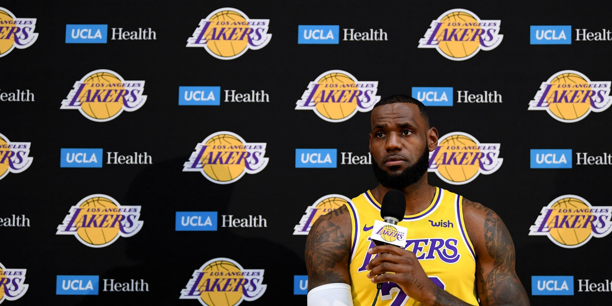 Live coverage: Lakers fall in season opener to Trail Blazers 128-119