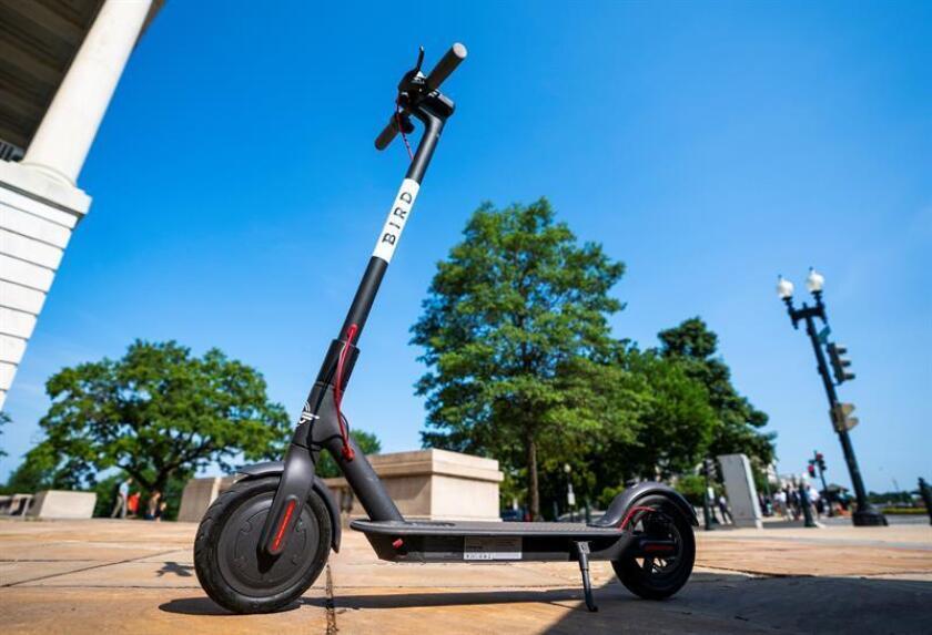 """Fotografía de un """"scooter"""" a la venta en EEUU. EPA/JIM LO SCALZO"""