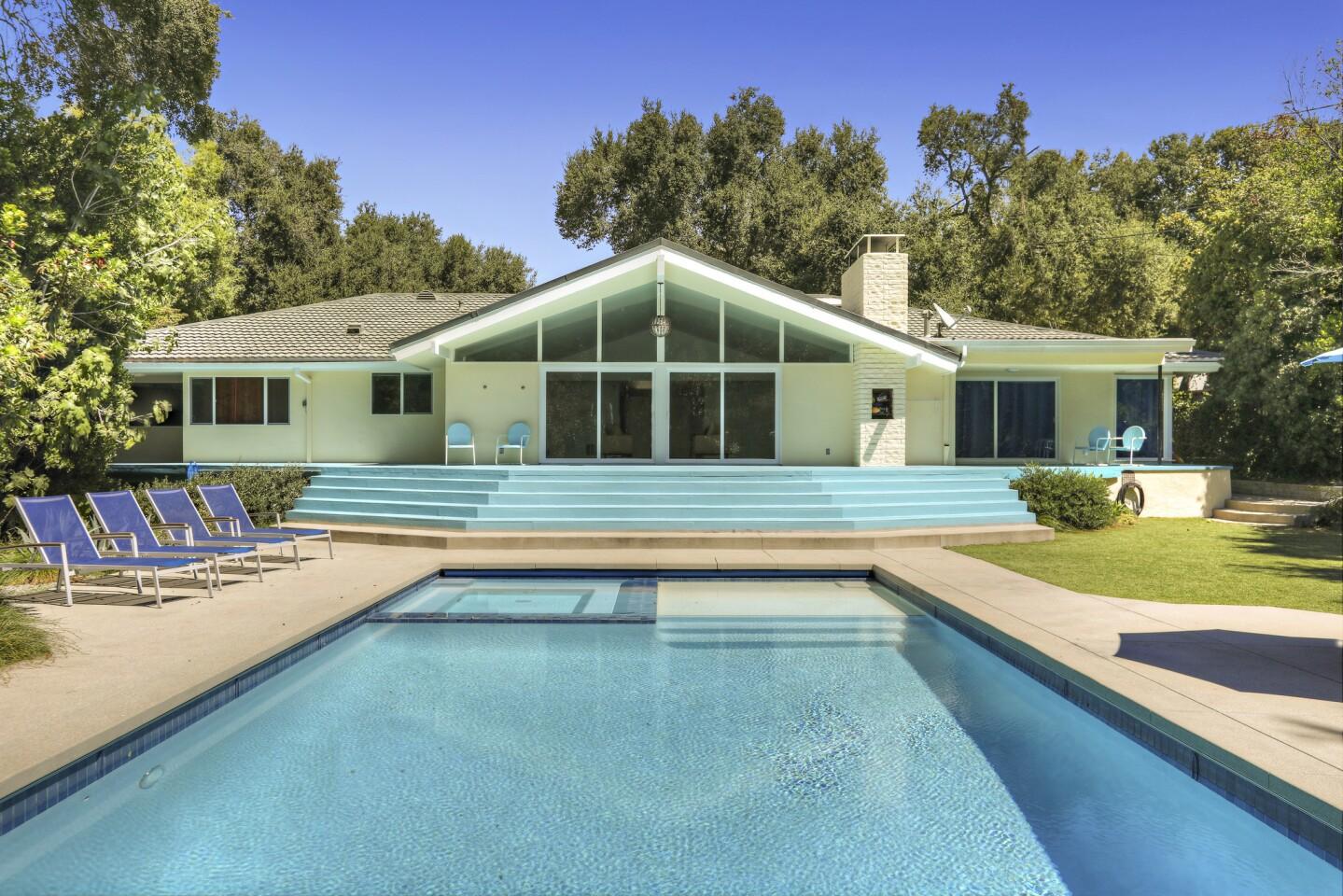 Adam Carolla's La Cañada Flintridge home   Hot Property