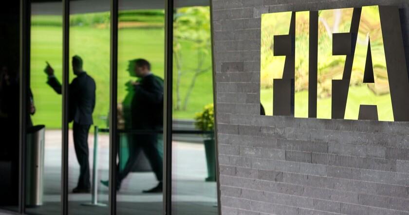 La FIFA busca presidente...