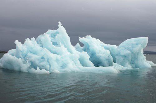 Arctic -- ice  chunks