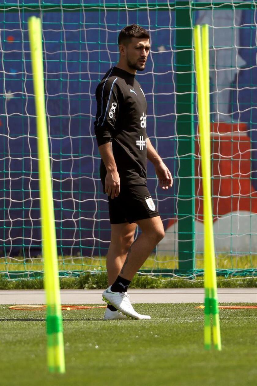 En la imagen un registro del centrocampista Giorgian De Arrascaeta, quien actúa para el Cruzeiro y estaría cerca de fichar para el también brasileño Flamengo. EFE/Archivo
