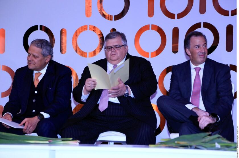 México debe prepararse para un choque profundo, advirtió ayer Agustín Carstens, Gobernador del Banco de México (Banxico).