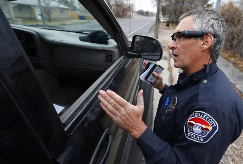 A mediados de 2013, una investigación del FBI llevó a la anulación de cargos estatales y federales en 124 casos de tráfico de drogas, al comprobarse actos de corrupción y tendencias racistas desde el 2009 entre algunos oficiales de West Valley City.