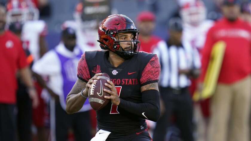 San Diego State quarterback Lucas Johnson completed 16 of 25 passes against Towson, most on short, quick throws.