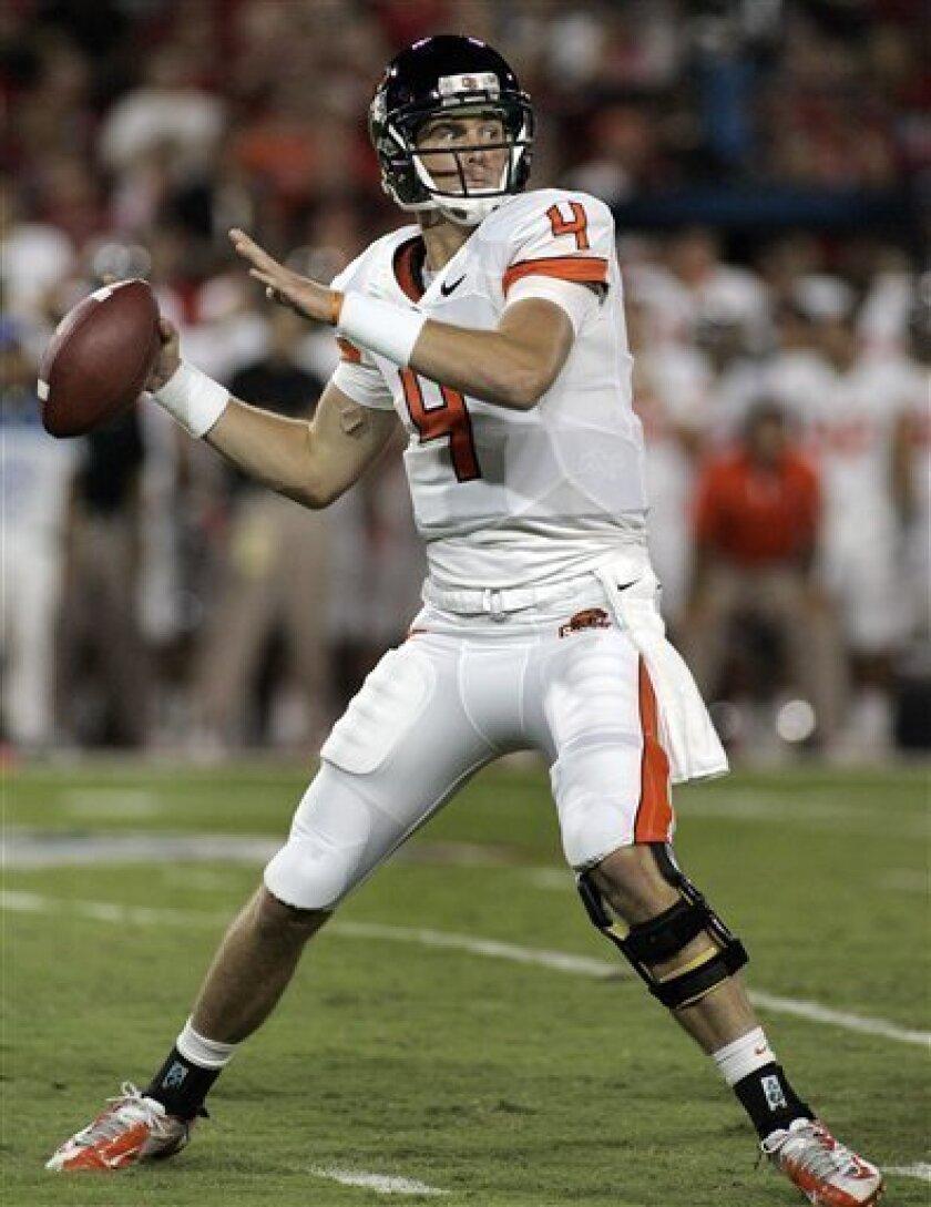 Oregon State quarterback Sean Mannion passes against Arizona during the first half of an NCAA college football game at Arizona Stadium in Tucson, Ariz., Saturday, Sept. 29, 2012. (AP Photo/John Miller)