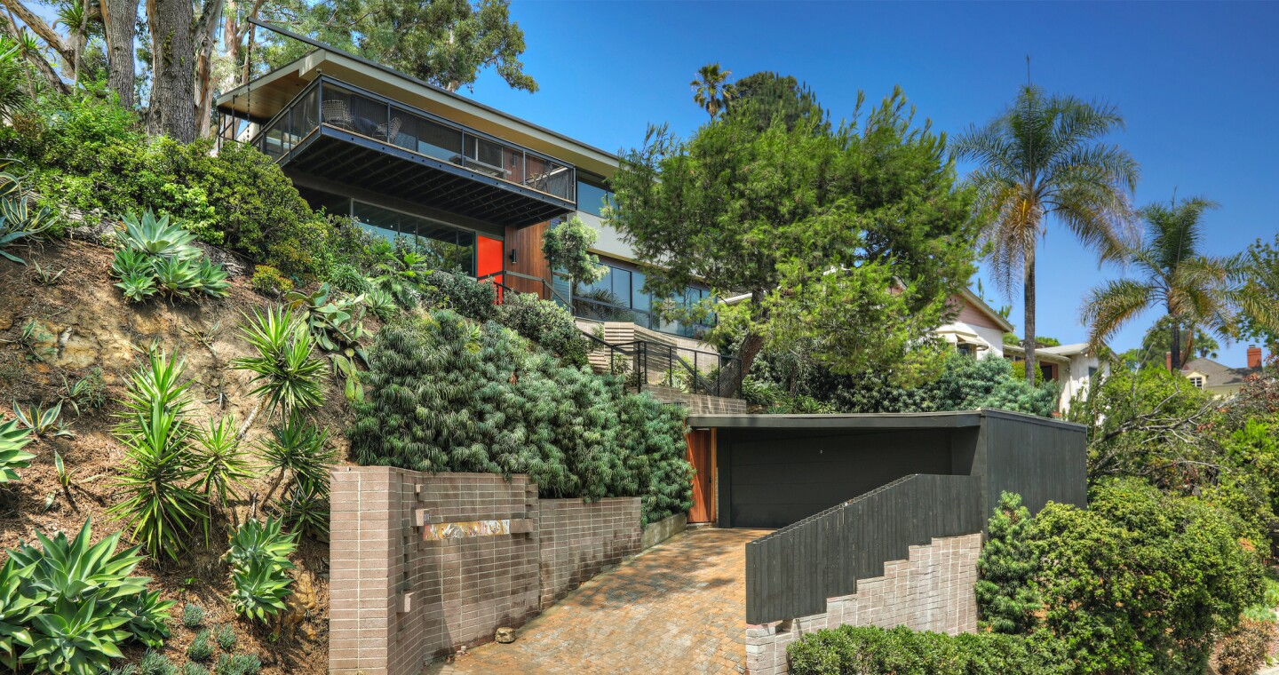 Hot Property | Kristen Wiig's Silver Lake Midcentury