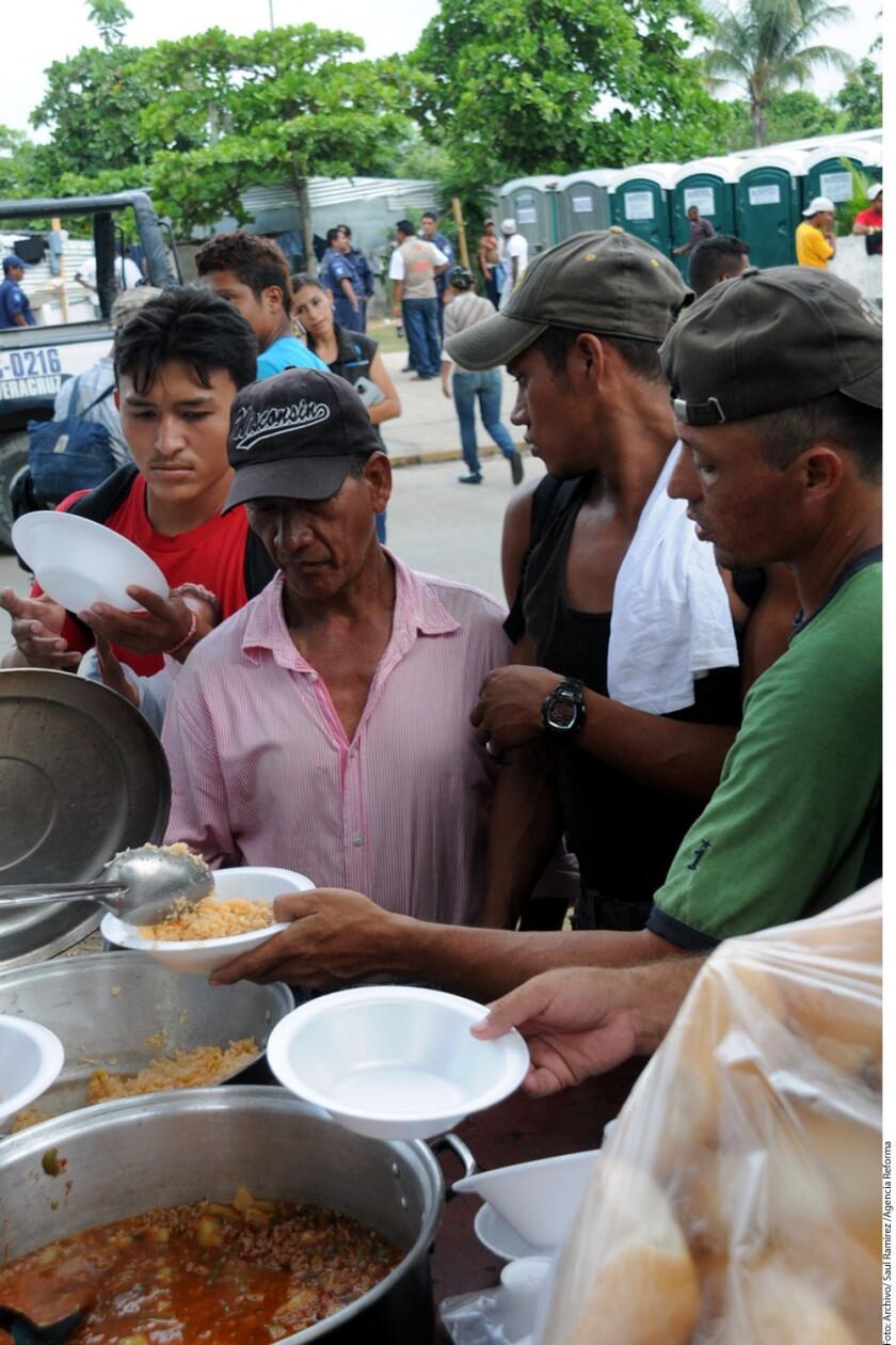 Los migrantes centroamericanos han sido víctimas de violaciones a sus derechos humanos cuando transitan por Veracruz y el resto del país.