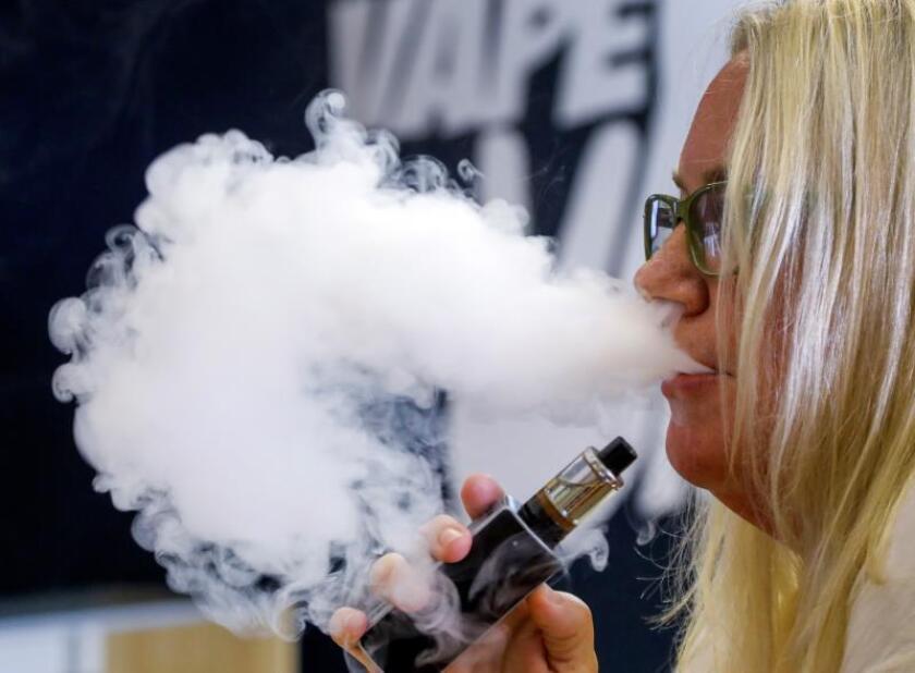 EEUU registra posible primer caso de muerte asociada al uso de e-cigarrillos