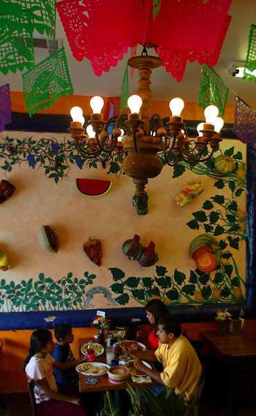 Jonathan Gold has many favorites but notes that La Casita Mexicana restaurant in Bell is one of them.