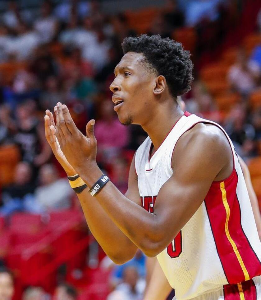 En la imagen, el alero Josh Richardson de los Heat de Miami. EFE/Archivo
