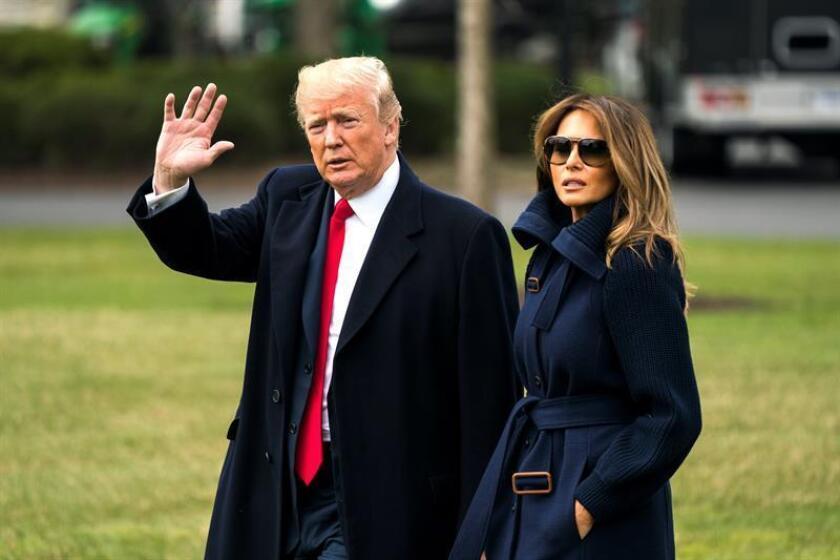 El presidente estadounidense, Donald Trump, y la primera dama, Melania Trump, en la Casa Blanca de Washington DC (Estados Unidos) hoy, 19 de marzo de 2018. EFE