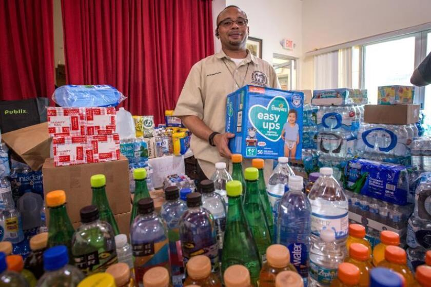 Cinco centros de Universidad de P.Rico y el Capitolio centros ayuda Bahamas