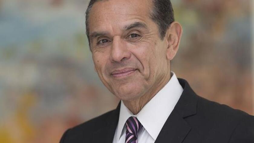 El principal afectado del ausentismo latino es Antonio Villaraigosa, afirma el analista Luis Alvarado.