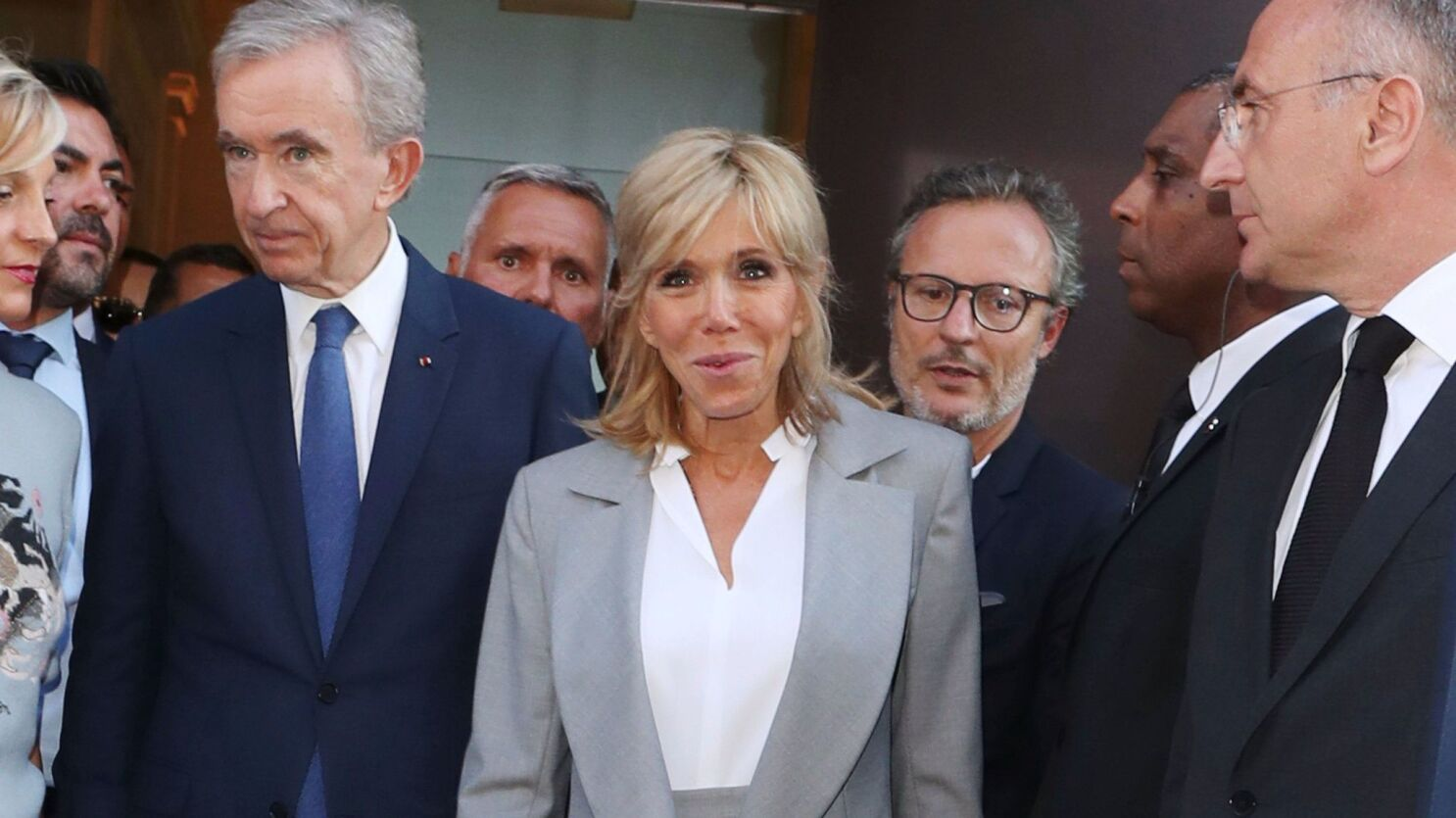 Brigitte Macron France S First Lady Attends Dior Retrospective Opening Los Angeles Times