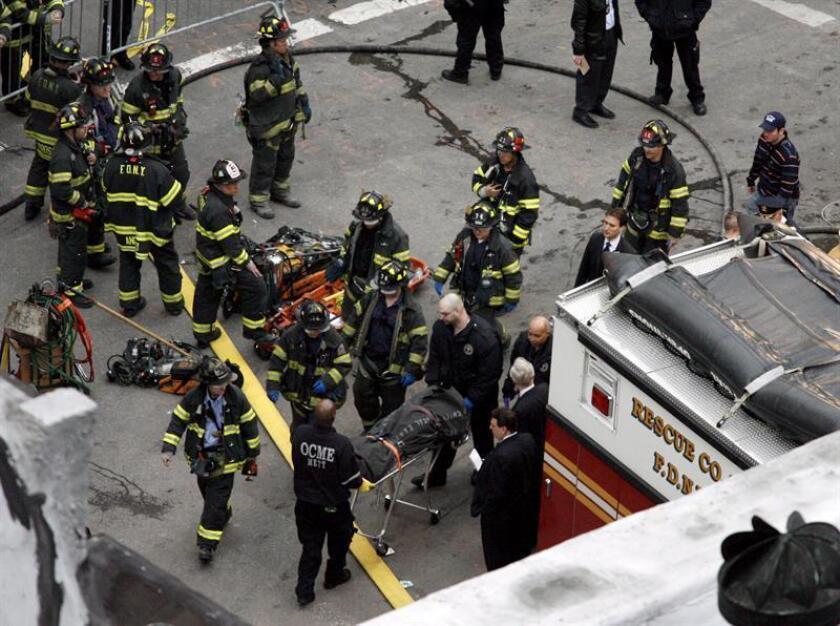 Al menos cuatro personas resultaron heridas hoy después de que un vehículo se estrellara contra la fachada de dos tiendas en Manhattan, informaron medios locales. EFE/Archivo
