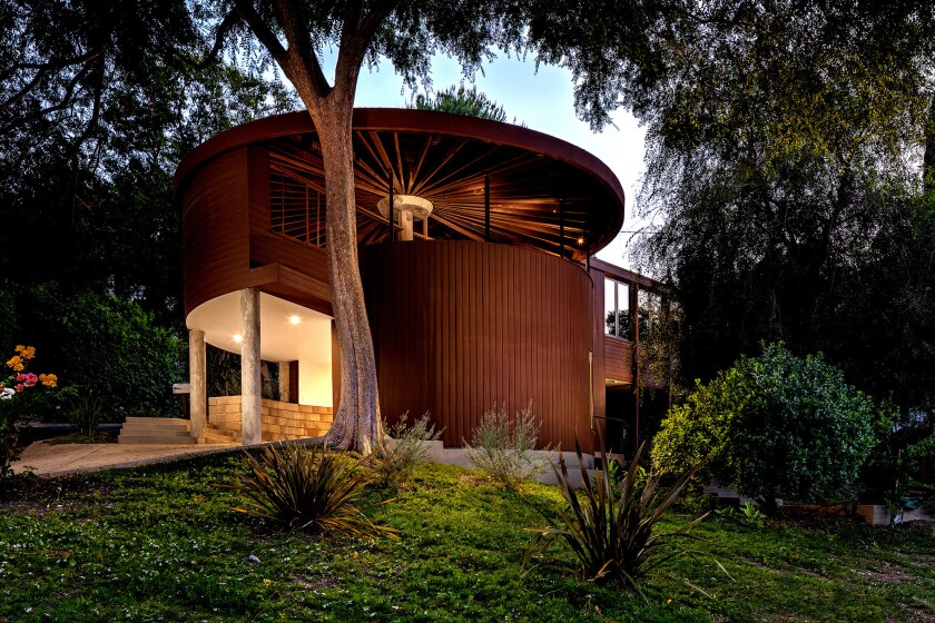 This unusual Sherman Oaks home, designed by modernist architect John Lautner, was built in 1950 for a schoolteacher.