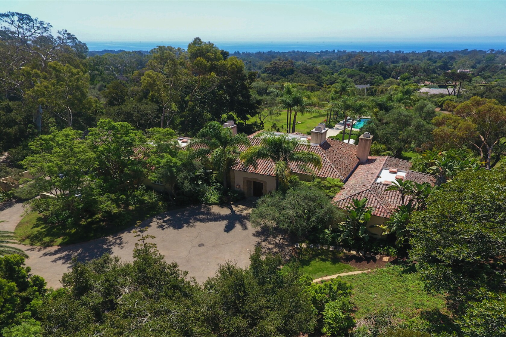 Montecito estate once owned by actress Geena Davis seeks $21.5 ...