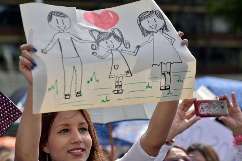 Los líderes evangélicos de Colombia creen que el acuerdo tal como está escrito amenaza su idea de familia.