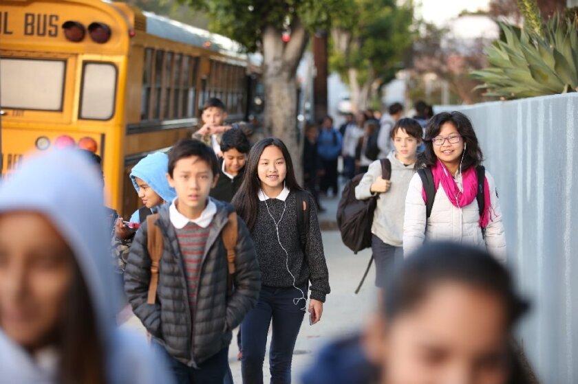 El acuerdo también cuenta con un maestro adicional para las escuelas primarias de más alta necesidad en grados cuarto, quinto y sexto, si es necesario