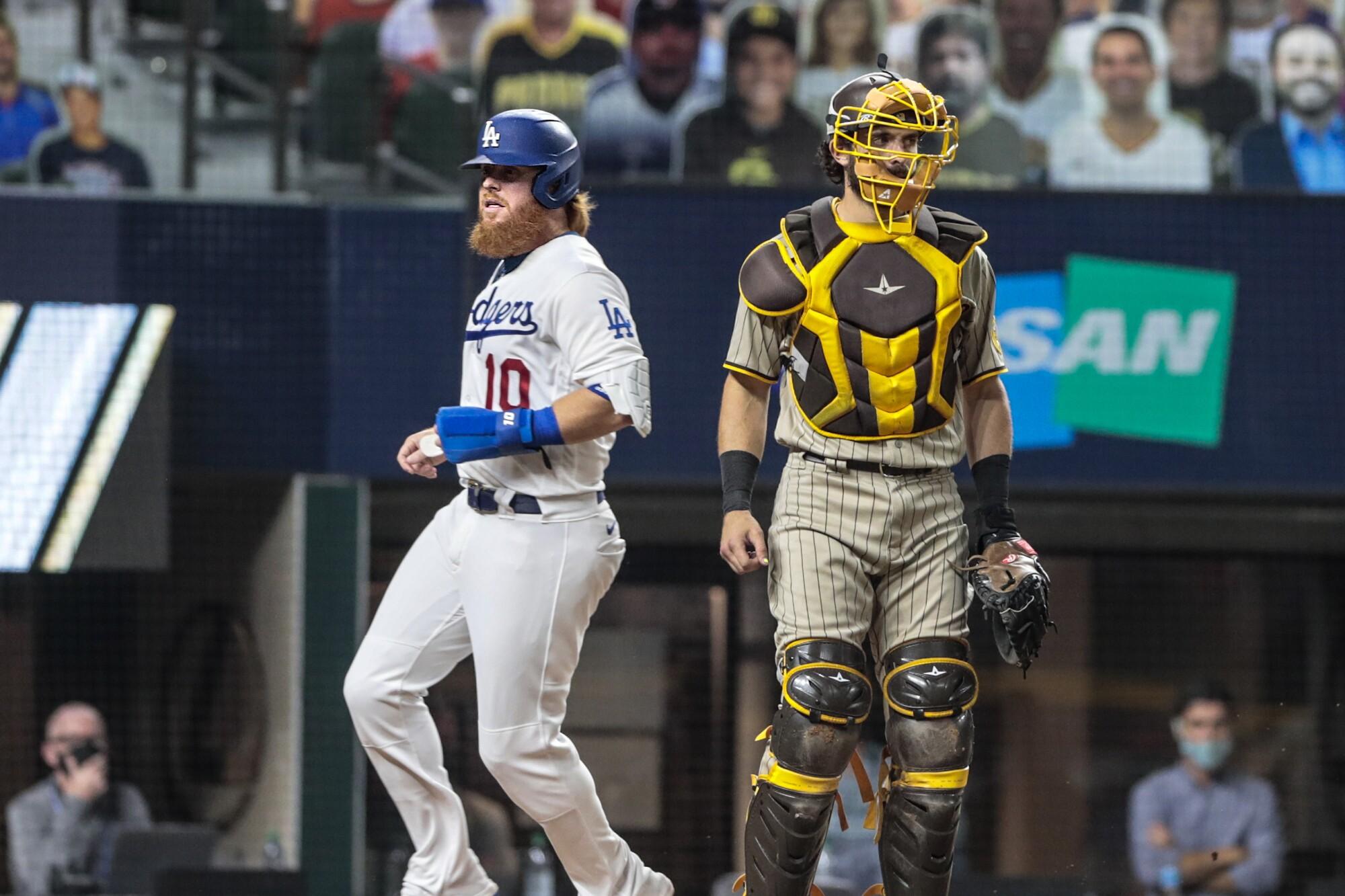 Arlington, Texas, Tuesday, October 6, 2020. Los Angeles Dodgers third baseman Justin Turner (10) scores.