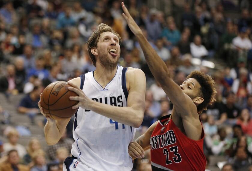 Dirk Nowitzki has 40 points to lead Mavericks over Trail Blazers