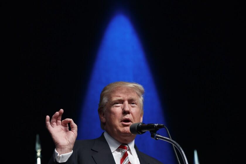 El candidato republicano a la presidencia Donald Trump en Clive, Iowa. (Foto AP/Evan Vucci)