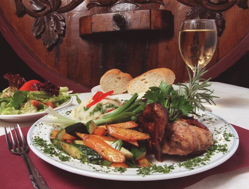 Atreverse a ignorar algún platillo servido con un buen vino en San Antonio Winery será imposible. La vinícola es ideal para llegar con la pareja, amigos o la familia.