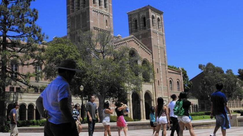 Dos tercios de los californianos estimaron que los tres sistemas de educación superior pública hacen un trabajo 'bueno' o 'excelente'.