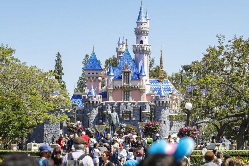Disney S Splash Mountain To Use Princess And The Frog Theme