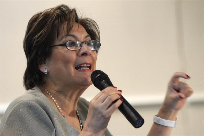 La presidenta de la asociación civil Alto al Secuestro, Isabel Miranda de Wallace, habla durante una conferencia de prensa, en Ciudad de México (México). EFE/Archivo