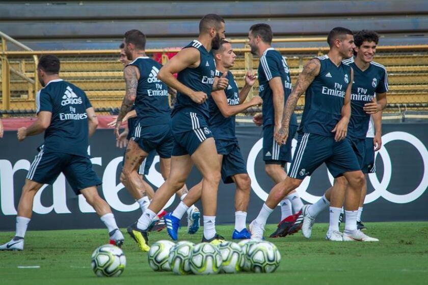 Varios jugadores del Real Madrid entrenan este jueves 2 de agosto de 2018, en la Universidad de Barry de Miami, Florida (EE.UU.). EFE