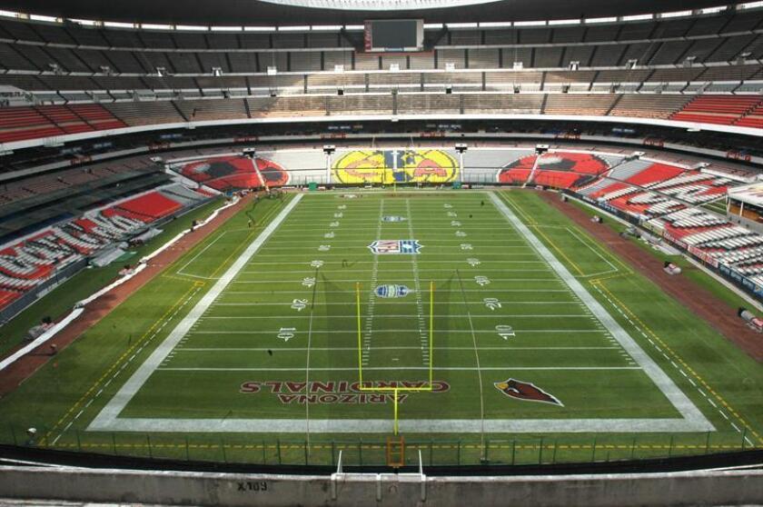 El majestuoso Estadio Azteca de la capital mexicana se observa listo el jueves 29 de septiembre de 2005 para recibir el juego de la NFL de Fútbol Americano entre los equipos 49s de San Francisco y Cardenales de Arizona. EFE/Archivo