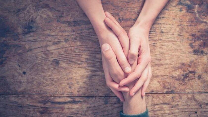 La capacidad de sentir preocupación y compasión por otros es una de las características de la empatía.