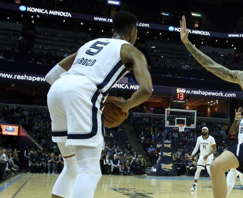 Bruno Caboclo de Memphis Grizzlies en acción durante un partido de la NBA. EFE/Archivo