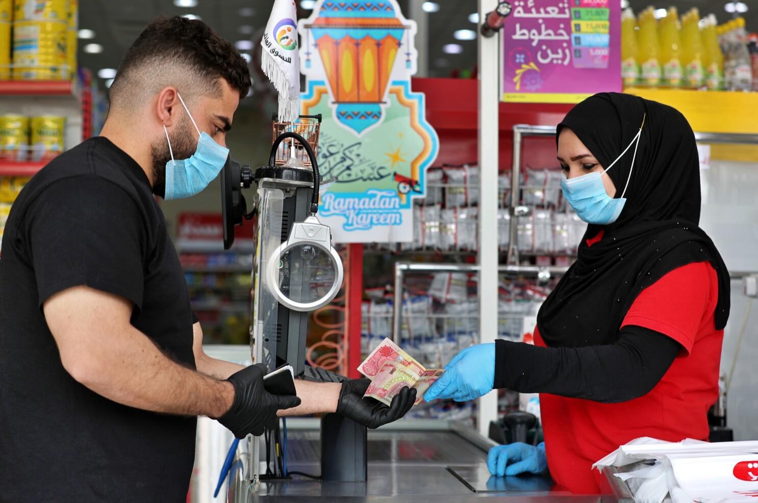 Coronavirus Has Spawned Suspicion Of Paper Money Los Angeles Times