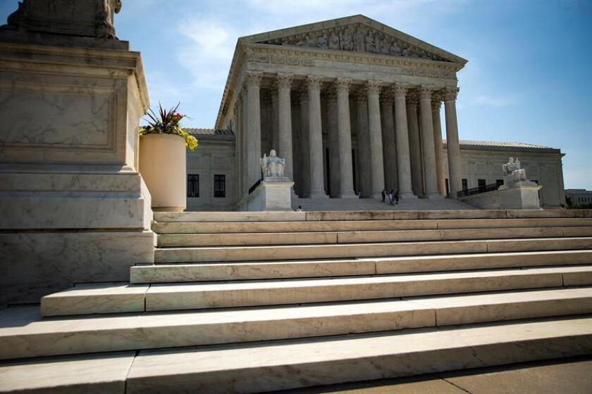 """El Tribunal Supremo falló hoy a favor de los protectores de la privacidad en internet al considerar que el acceso de la policía a los datos de geolocalización de los teléfonos móviles requiere """"generalmente"""" de una orden. EFE/Archivo"""