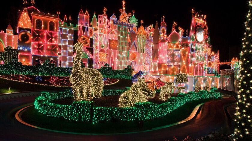 Christmas Theme Park.Socal Theme Parks Roll Out White Carpet Of Faux Snow And