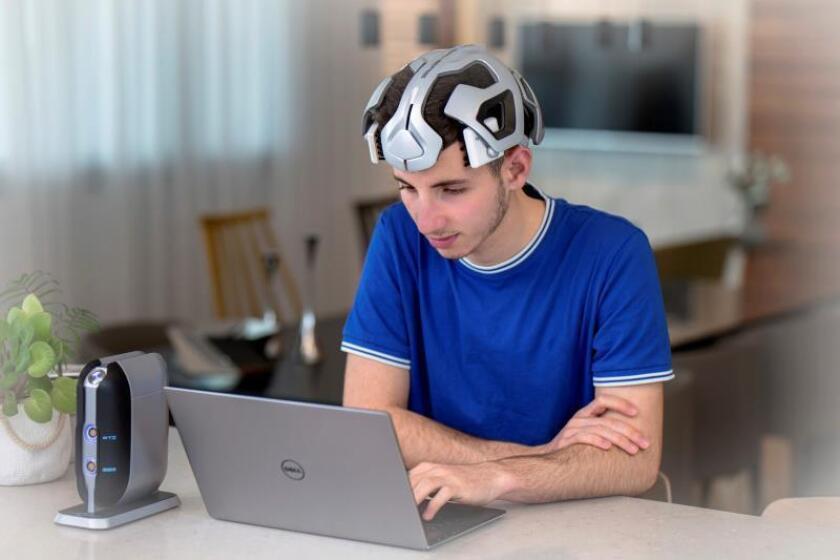 Una empresa israelí desarrolla un casco que reduce el déficit de atención con descargas